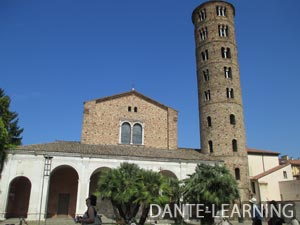 サンタポッリナーレ・NUOVO教会