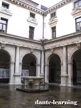 Palazzo-della-Ragione-2-260x347